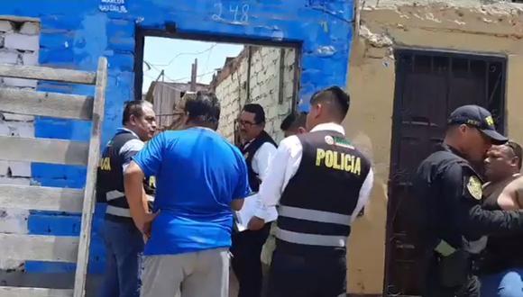 La Policía llegó al lugar para recoger evidencia del crimen e identificar al asesino. (Foto: Prensa Chalaca)