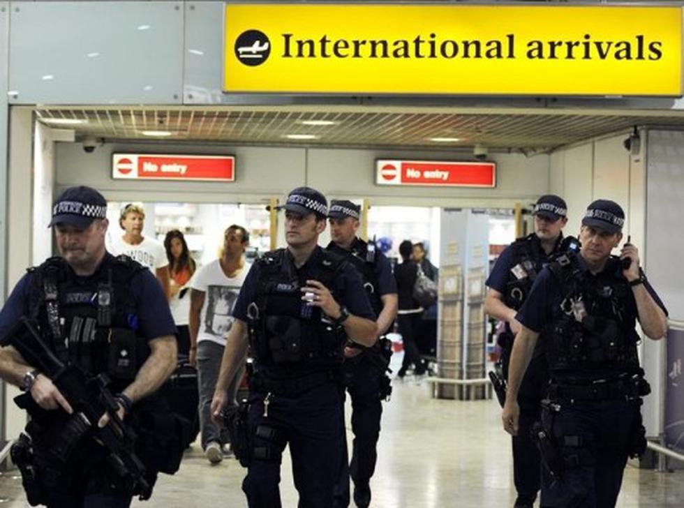 Londres amenaza con despedir a los policías gordos