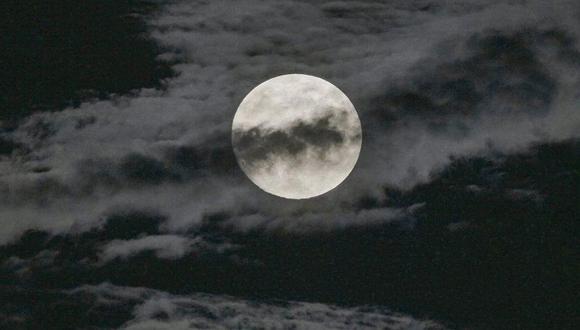 Superluna alumbra el cielo de todo el mundo [FOTOS]