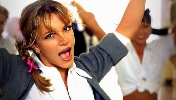 Britney Spears volvió a ponerse traje de 'Baby One More Time' 20 años después