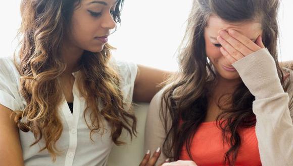 3 maneras de subirle el ánimo a alguien que perdió a su mamá
