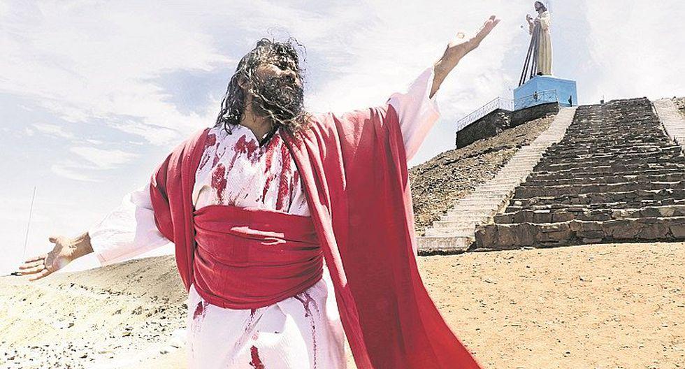 Mario Valencia, conocido como el 'Cristo cholo', lleva 40 años encarnando a Jesucristo