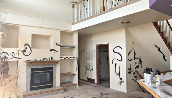 """""""Un pedazo de infierno"""" es la descripción que se lee en esta curiosa casa en venta (Foto: Redfin)"""