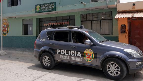 Piura: Ciudadano colombiano denunció a tres efectivos policiales de la comisaría de Sullana por, presuntamente, haberle exigido una coima de 300 soles para devolverle su motocicleta.