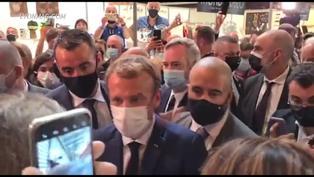 Francia: Lanzan un huevo contra el presidente Emmanuel Macron