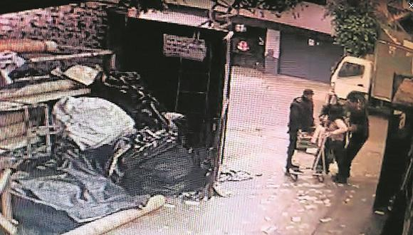 Serenazgo de Surco jalonea a ambuelante para quitarle carrito