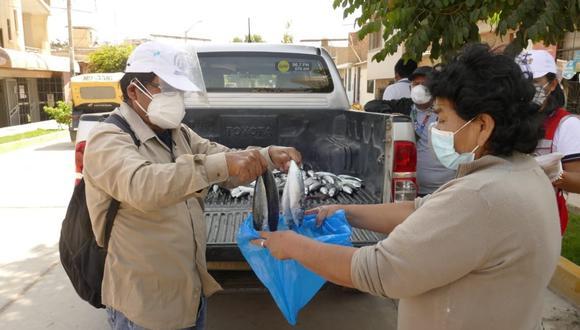 Lambayeque: familias de escasos recursos recibieron donación de 250 kilos de pescado (Foto: Gore Lambayeque)
