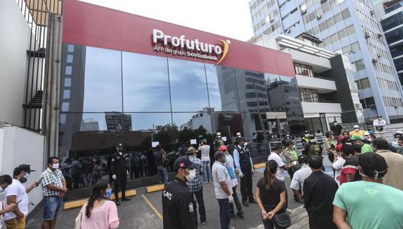 Como parte de la solicitud de retiro, los afiliados tienen la posibilidad de abrir una cuenta bancaria durante el registro. (Foto: Andina)