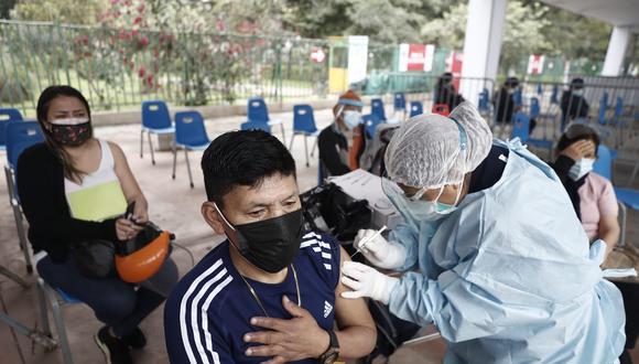 Esta semana el proceso de inmunización contra el COVID-19 continua para mayores de 40 años. (Foto: César Campos / @photo.gec)