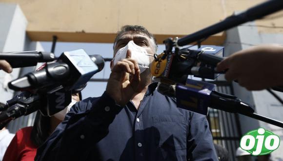 El precandidato presidencial Julio Guzmán ejerció su derecho al voto este domingo en las elecciones internas del Partido Morado. (Fotos: Francisco Neyra/ @photo.gec)