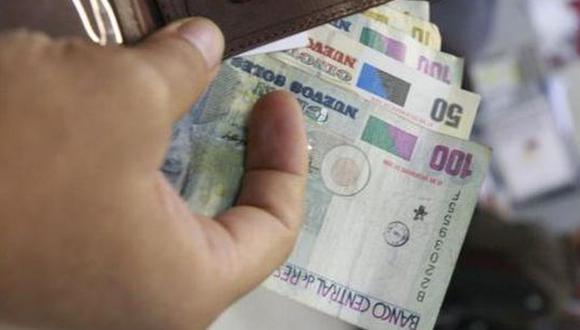 La Superintendencia de Bancas, Seguros y AFP (SBS) anunció que las solicitudes para retirar hasta 17.200 soles del fondo de pensiones (4 UIT) podrán presentarse desde el próximo 9 de diciembre (Foto: GEC)