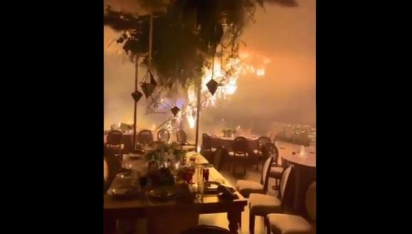Fuegos artificiales provocan incendio en salón durante boda. (Foto: @angelito190273 / Twitter)