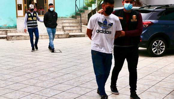Sebastián Arana (21) y Ayrton Aguilar (19) fueron detenidos en rápida acción policial.(Foto: Hugo Curotto / @photo.gec)