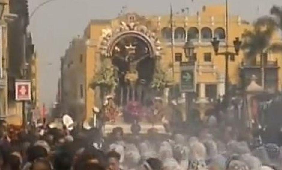 El Señor de los Milagros llega a la Catedral de Lima