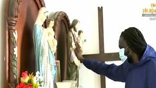 Sacerdote extranjero lleva oxígeno medicinal a vecinos de Punta Negra contagiados de la COVID-19