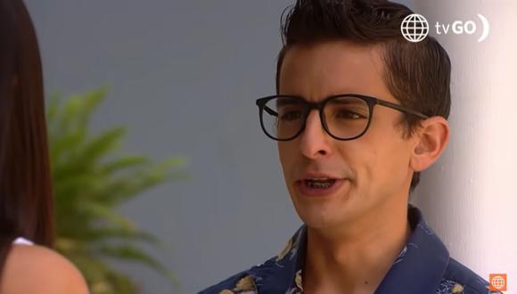 Fideito Parodi es el bodeguero de la tienda de Susana. Tras conquistar a Estela Bravo se considera el hombre más feliz del mundo. (Foto: América TV)
