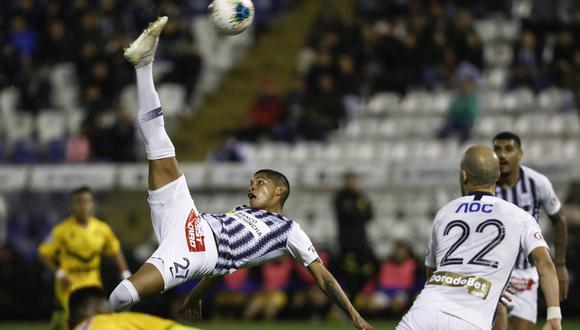 Kevin Quevedo tuvo su mejor temporada a nivel individual y en el diario El País lo reconocieron. (Foto: GEC)
