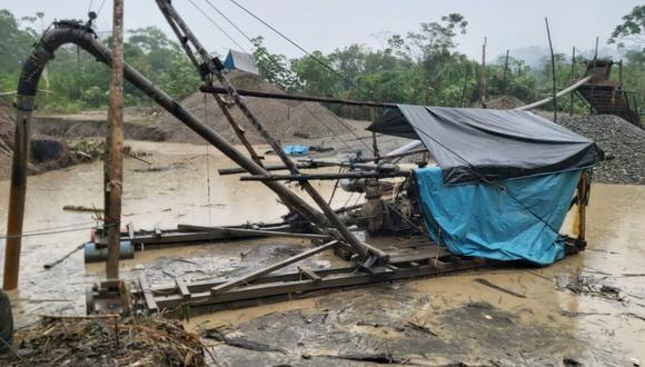 Madre de Dios: fueron destruidos dos campamentos e incautan maquinaria usada para la minería ilegal (Foto: Mindef).