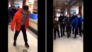 Mira el video viral que fue borrado por autoridades de China tras revuelo por pruebas anales