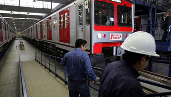 Primeros pasajeros del Tren Eléctrico viajarán gratis