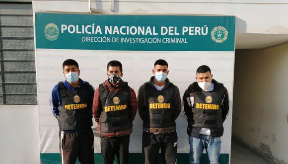 Los cuatro presuntos integrantes de una banda de extorsionadores. (PNP)