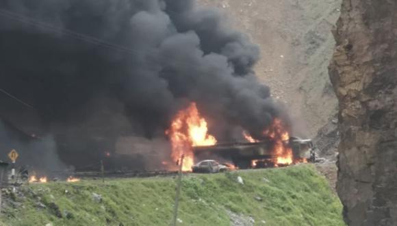 Incendio en la Carretera Central se registra antes de Tambo de Viso (Huarochiri) muy cerca a San Mateo.