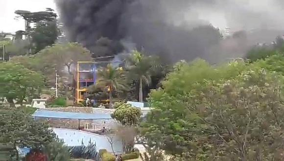 Reportan incendio en Parque de la Leyenda e inician evacuación (VIDEO)