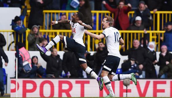 Premier League: Tottenham gana y sigue al Leicester, Arsenal cae ante United
