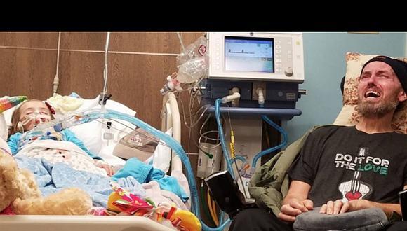 La desgarradora foto de una niña con cáncer cerebral y su abuelito con enfermedad terminal