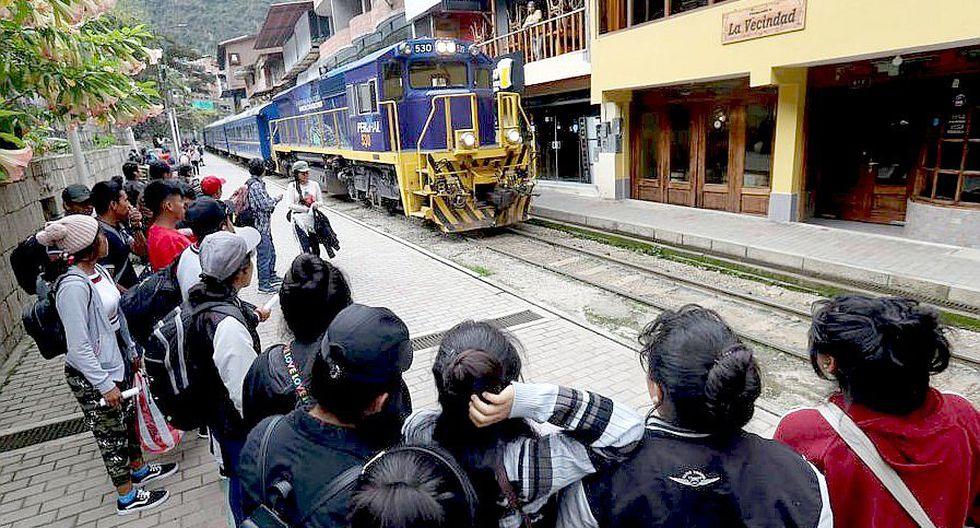 El funcionamiento de los trenes asegura el abastecimiento de alimentos de primera necesidad para la población de Aguas Calientes.