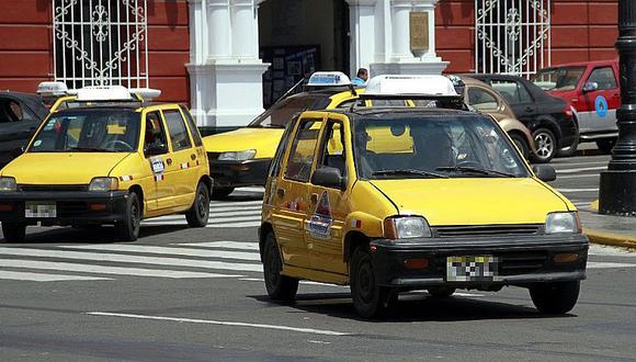 Salió de fiesta familiar a buscar taxi pero intentaron asaltarlo, opuso resistencia y le dispararon