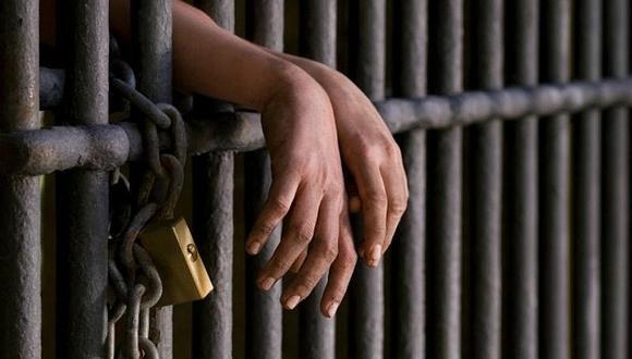 Dictan cadena perpetua a una mujer por violación sexual a una menor de 13 años.