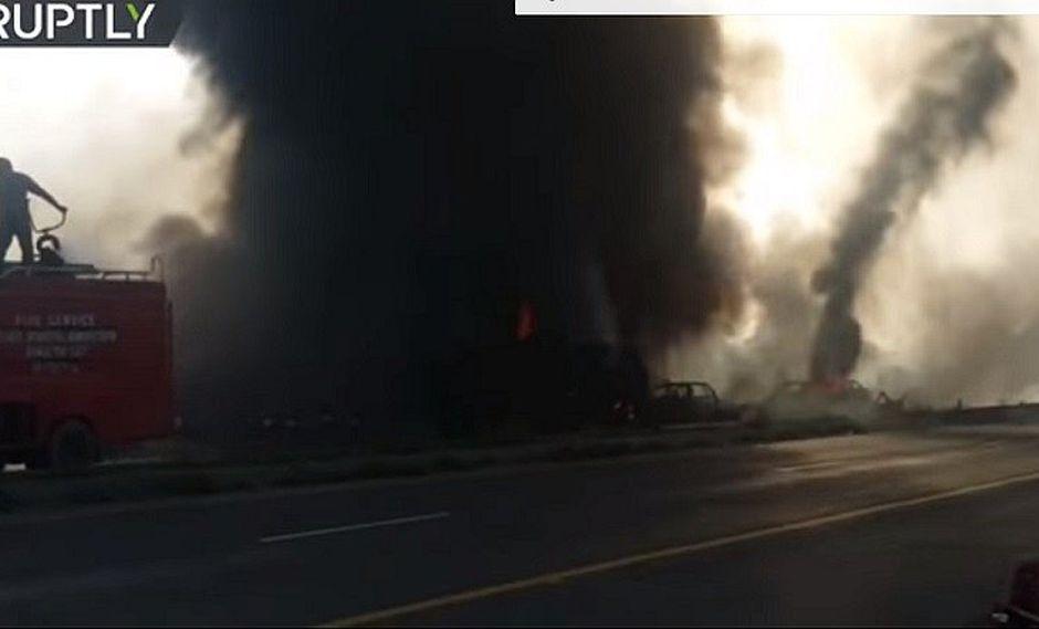 Pakistán: investigan explosión de camión cisterna que dejó 144 muertos y 120 heridos (VIDEO)