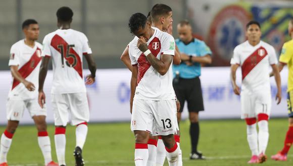 Renato Tapia expresó su malestar por la última jornada de entrenamientos antes del Perú vs. Ecuador. (Foto: AP)