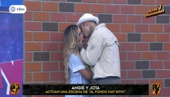 """Angie y Jota se dieron beso en competencia de """"Esto es guerra"""". (Imagen: América TV)"""