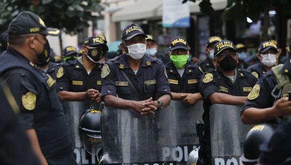 Desde que inició la pandemia por el COVID-19 en el país, se ha reportado más 530 policías fallecidos y más de 40 mil infectados a consecuencia del coronavirus, indicó el ministro Elice. (Foto: GEC)