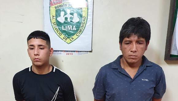 Presuntos delincuentes son acusados de robar en puerta de mercado. (PNP)