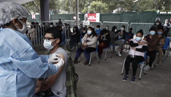 La vacunación contra el coronavirus continúa avanzando a nivel nacional. Foto: César Campo/@photo.gec