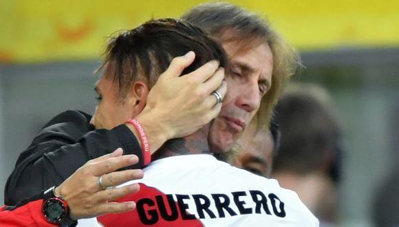 Ricardo Gareca considera que Paolo Guerrero tiene condiciones para jugar en Boca Juniors. (Foto: AFP)