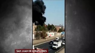 Incendio en cochera causó alarma en San Juan de Miraflores