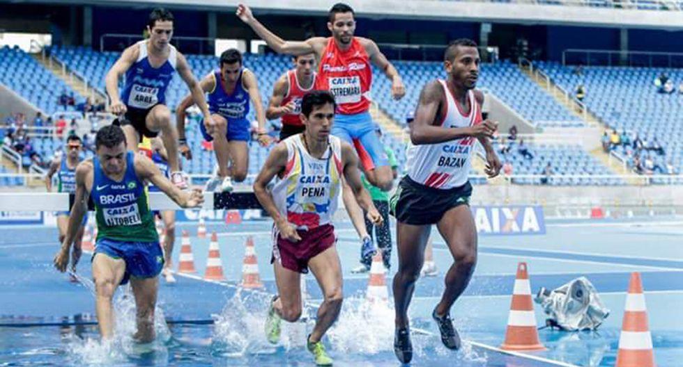Mario Bazán se colgó la medalla de bronce para Perú. (Foto: Twitter Atletismo peruano)
