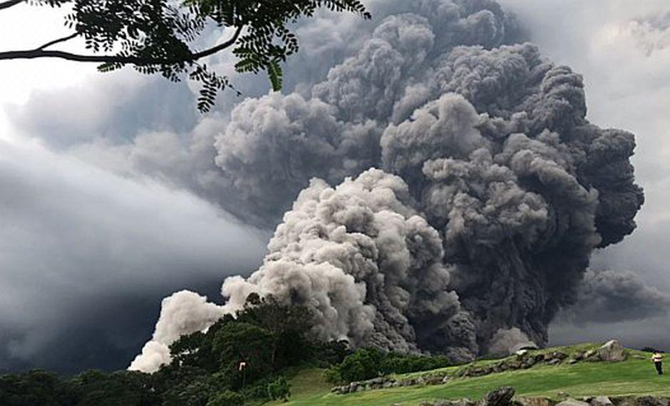NASA muestra reveladoras imágenes de la explosión del volcán de Fuego