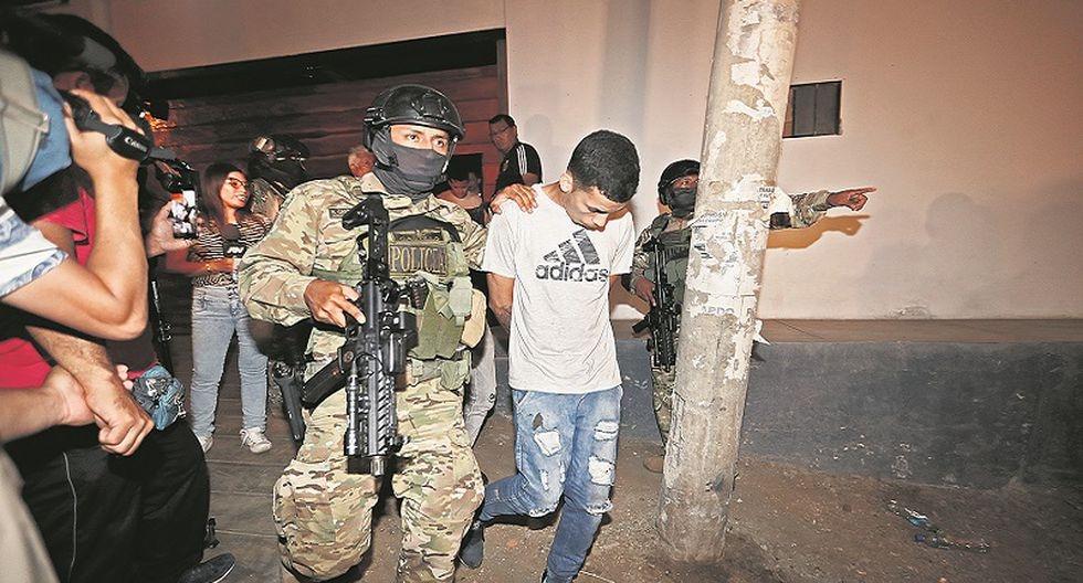 OPERATIVO  DE EXTRANJEROS Y PERUANOS    POR PERSONAL POLICIAL DE HOMICIDIOS SUAT E INTELIGENCIA DE LA DIRINCRI EN HOSTAL ROJO DE PUNTA HERMOSA