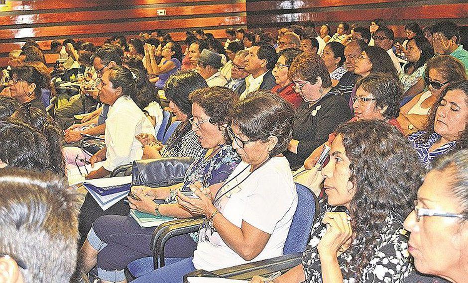 Capacitarán a docentes para el ascenso de nivel