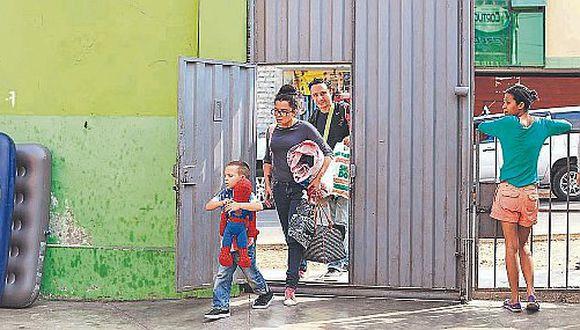 Niños venezolanos de SJL se quedan sin clases por falta de vacantes