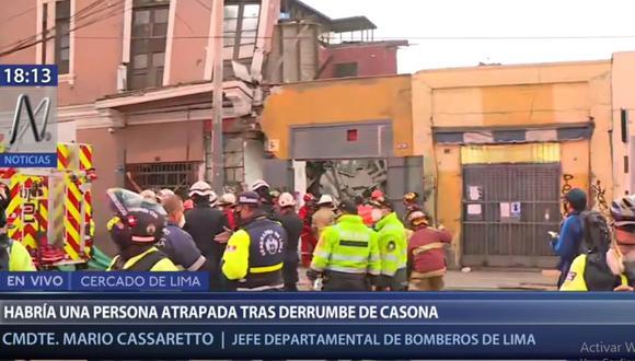 La Policía y bomberos cercaron el lugar para proceder a la búsqueda del albañil desaparecido. (Canal N)