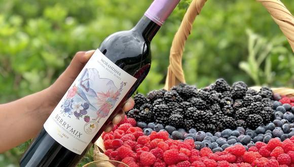 Este vino frutado es a base de arándanos, zarzamoras, aguaymantos y frambuesas que luego son vinificados y embotellados. (Foto: Morandina)