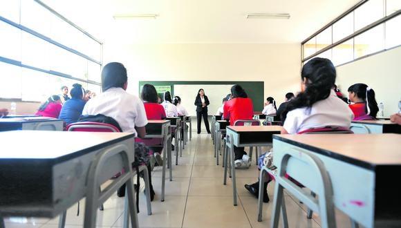 El ministro de Educación, Ricardo Cuenca, indicó que este decreto permitirá la transferencia de 134 millones de soles a gobiernos regionales para también distribuir protectores faciales a escolares. (Foto: Mario Zapata / GEC)