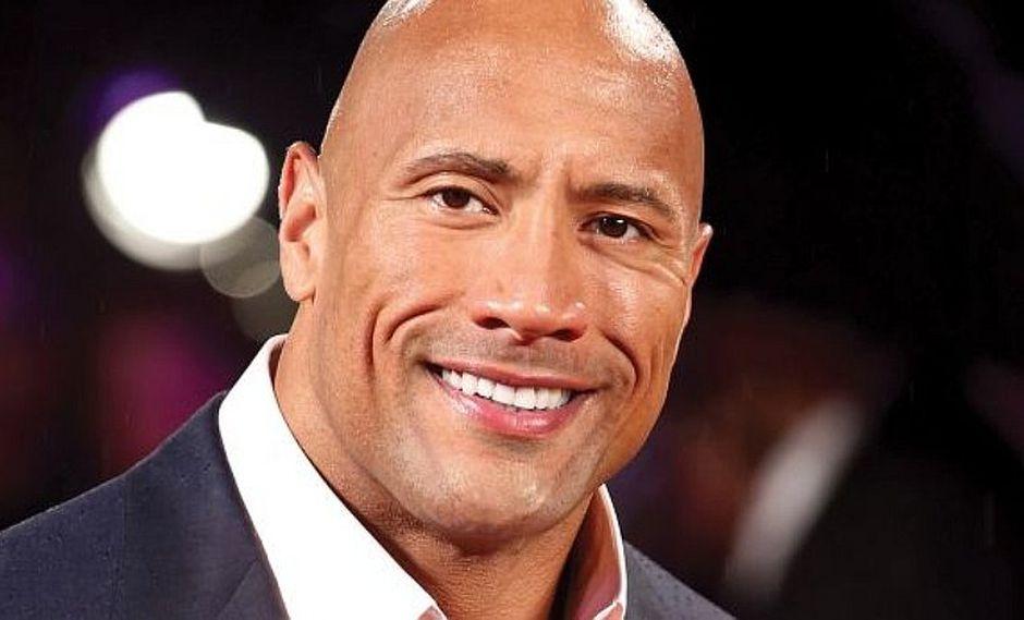 """Dwayne Johnson: """"La Roca"""" hace llorar a su """"doble"""" por bello regalo"""