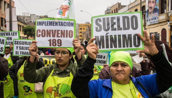 Trabajadoras del hogar exigen ley que les de beneficio laborales.